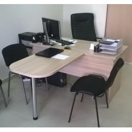 стол руководителя с брифингом